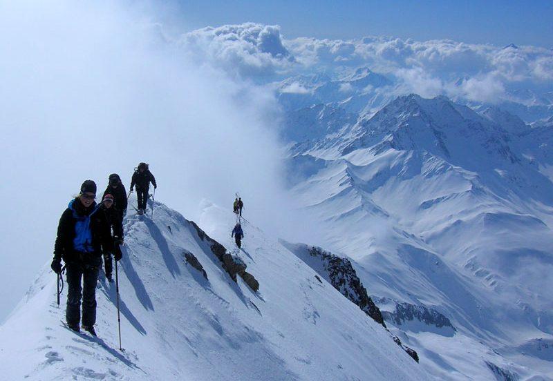 Ski the haute route high mountain guides for Hotel du col de fenetre