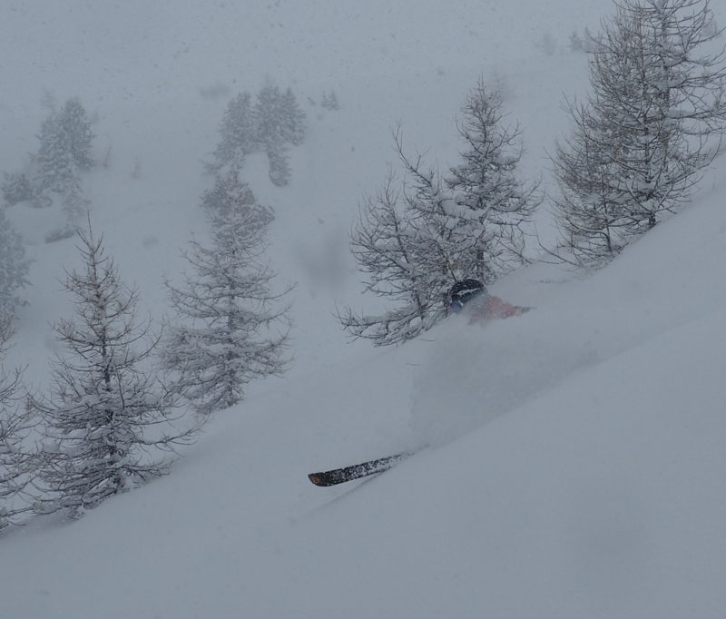 Powder skiing off piste guide at Pila, Aosta