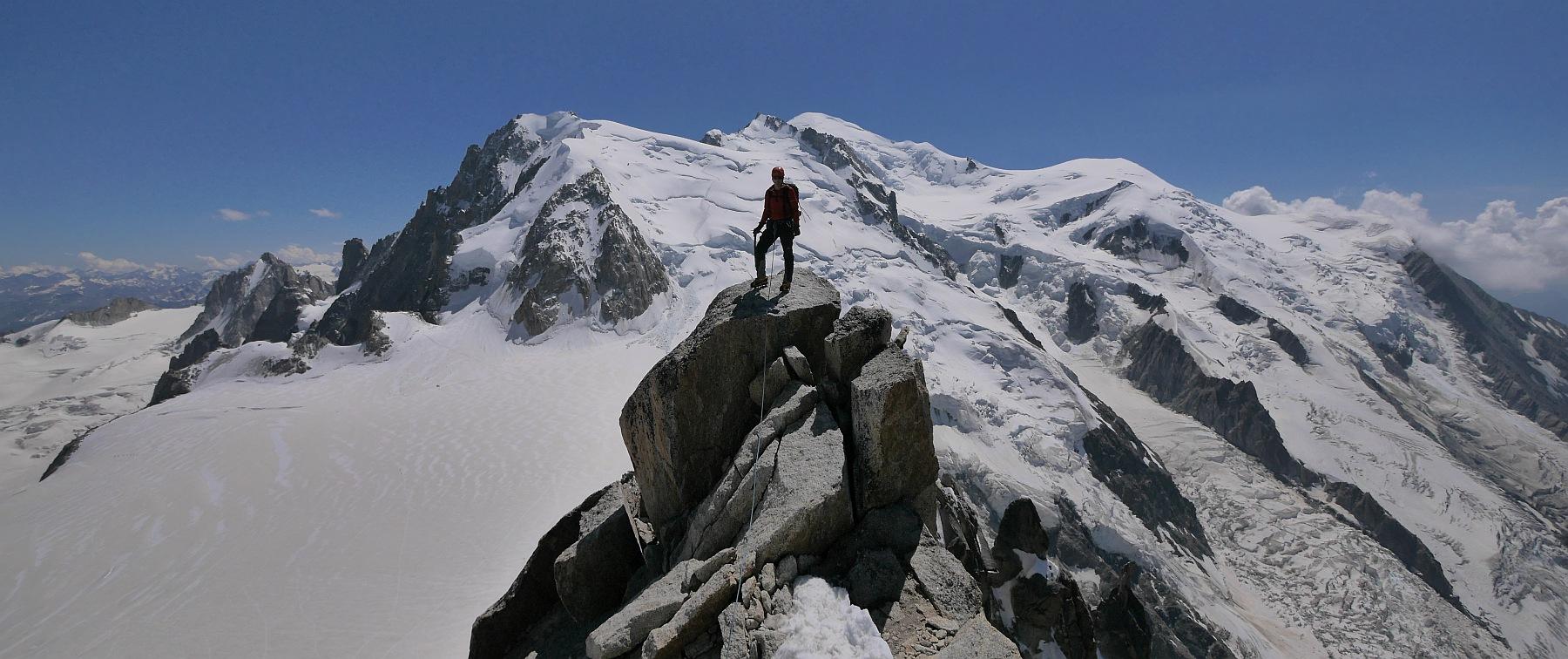 Cosmiques Arete & Aiguille d'Entreves Ascents