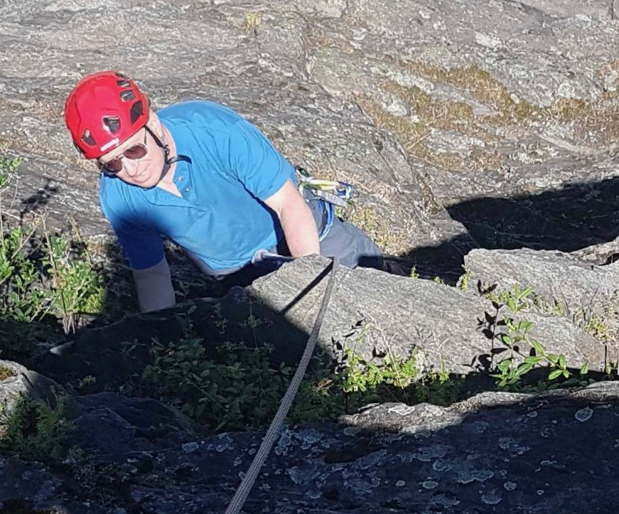 TOTALLY AWESOME GUIDES AND CHAMONIX CLIMBING