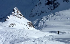 Good skiing past the Petit Rognon on the Vallee Blanche
