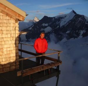 Evening-Alpenglow-Over-the-Mittellegi-Hut